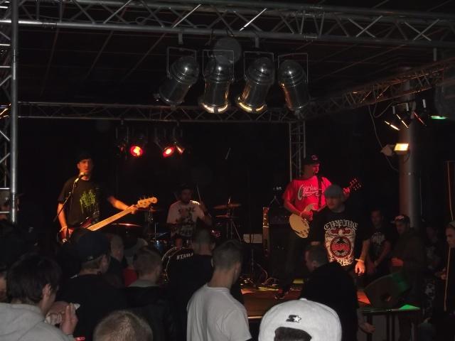 six foot ditch band live photo